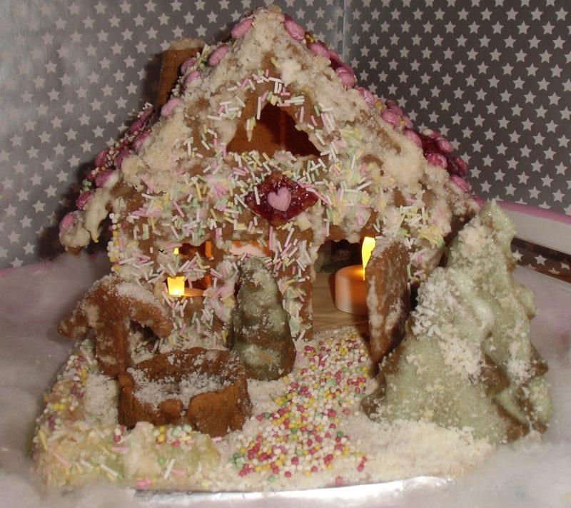 Weihnachtsdeko Zum Essen.Veganes Lebkuchenhaus Biologisch Lecker