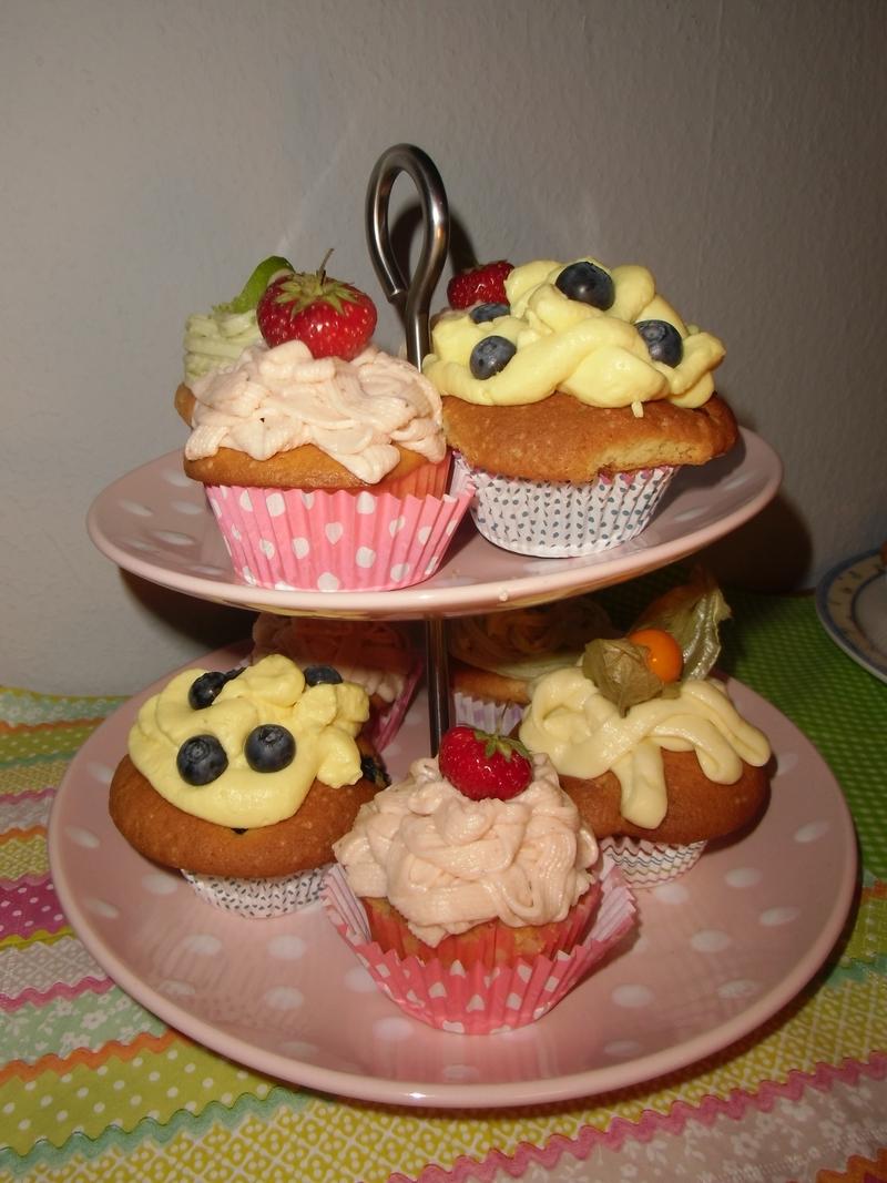 Geburtstags-Cupcakes zum 2-jährigen- Biovegan Farbspaß ist Neu ...